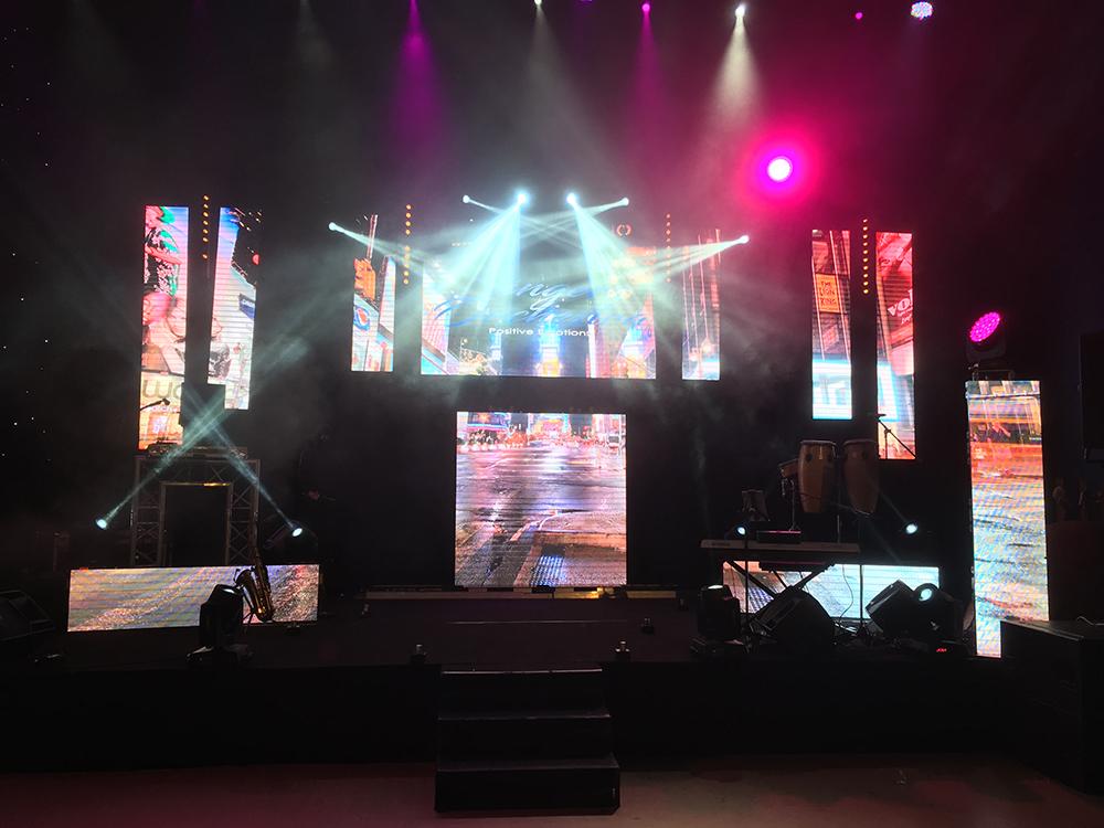 Installation d'écrans led Touring